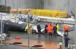 Marineros descuartizando una ballena de aleta en Hvalfjordur a unos 45 kilómetros al norte de Reikavik/ Foto: Lowana Veal/ IPS
