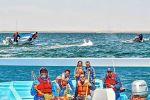 Una ballena gris enredada en una laguna en Baja California fue liberada tras cuatro horas de maniobras por personal de una reserva.